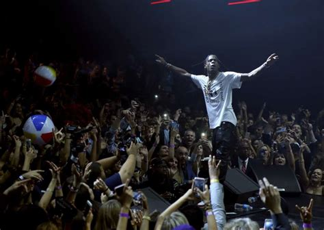 Travis Scott to perform before Rockets-Thunder Game 5
