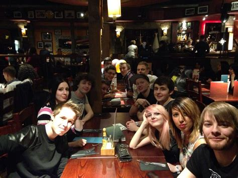 """Amy lee33 on Twitter: """"Dinner with friends"""