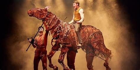 War Horse returns to National Theatre in November